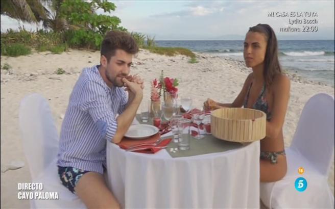 Alejandro se reencontró con Sofía para romper con ela cara a cara en la isla de Honduras.