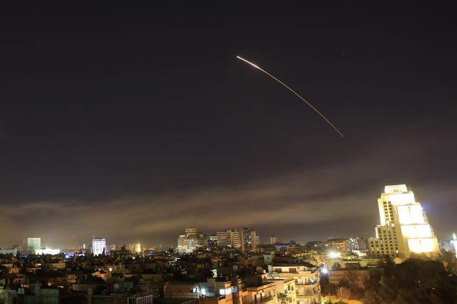 Según el jefe del Estado Mayor Conjunto de EE UU, Joseph Dunford, los misiles han caído sobre un centro de investigación de armas químicas.