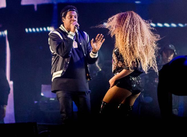 Beyoncé subió al escenario a su marido y también cantante Jay Z