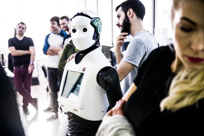 Reem. Este humanoide puede ser utilizado para la vigilancia, la asistencia personal o como plataforma robótica de investigación