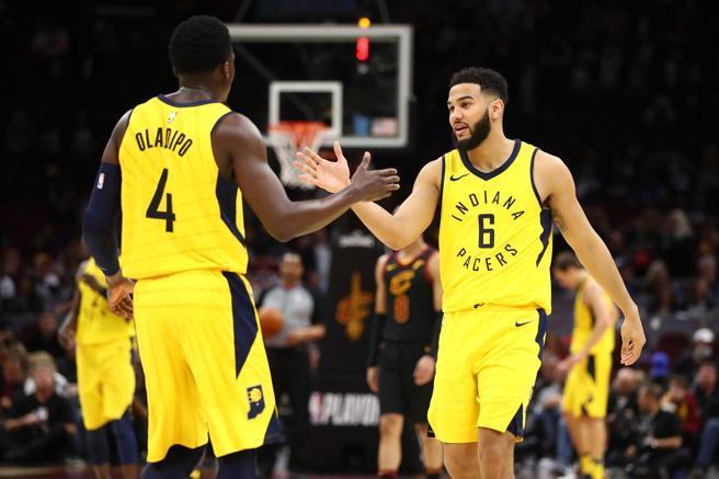 Victor Oladipo se mostró imparable en el primer partido de la serie entre los Cavaliers y los Pacers.