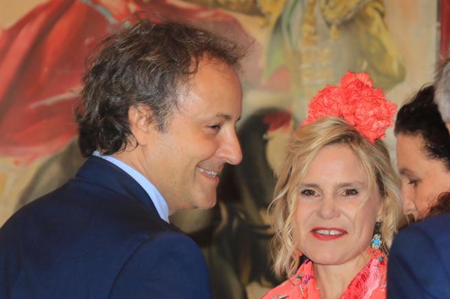 Narcís Rebollo y Eugenia Martínez de Irujo durante la Feria de Abril de Sevilla.