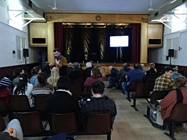 Tercera sesión del proceso participativo sobre el futuro de la Modelo, dedicada al espacio verde y realizada en parte en el teatro del penal