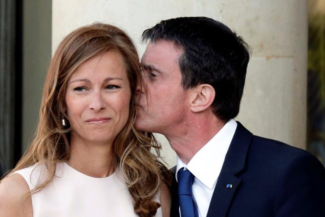 Manuel Valls junto a su mujer Anne Gravoin