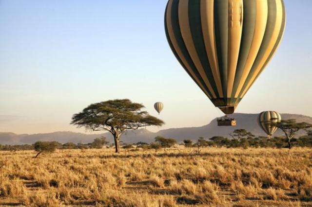 Safari en globo en el parque nacional del Serengueti, Tanzania