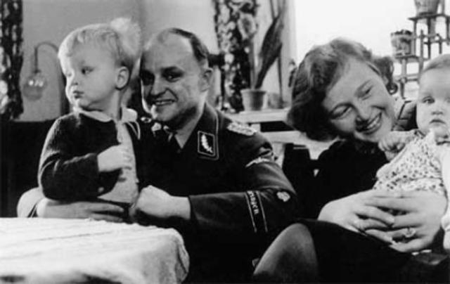 Ilse y Karl Koch junto a dos de sus hijos
