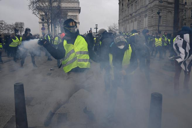 Se vivieron escenas de tensión entre los manifestantes y los agentes antidisturbios