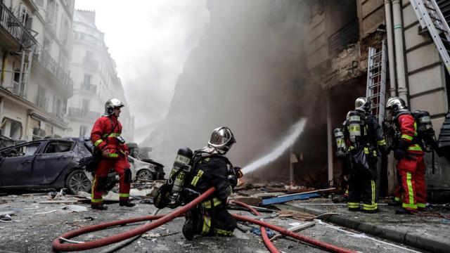 Resultado de imagen para al menos cuatro muertos por explosión en el centro de París