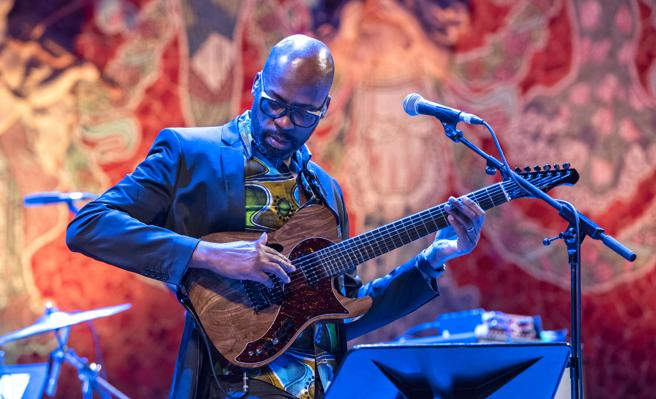 Lionel Loueke, a Benin guitarist who plays the best musicians of the moment / LORENZO DUASO