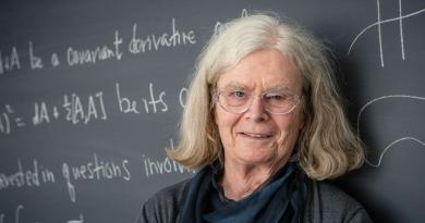 """PREMIO ABEL. Karen Uhlenbeck, la primera mujer que gana el llamado """"Nobel de las matemáticas"""""""
