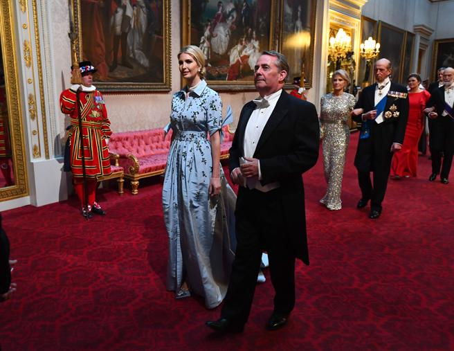 Ivanka Trump y Liam Fox, el actual secretario de Estado de Comercio Internacional del Reino Unido.