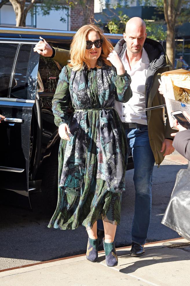 Adele strolling through New York