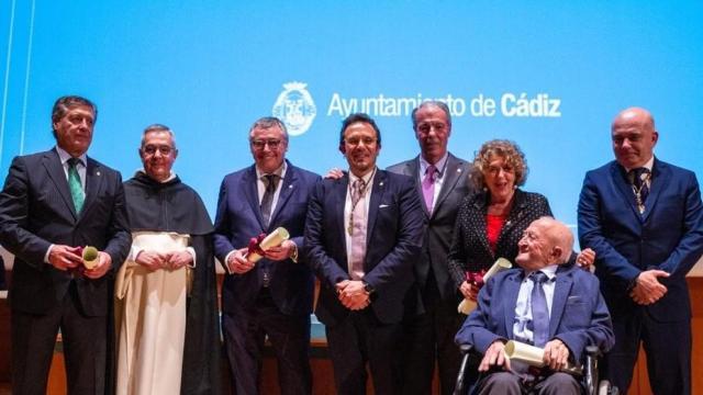 Cádiz llora a Michael Robinson y decreta luto oficial