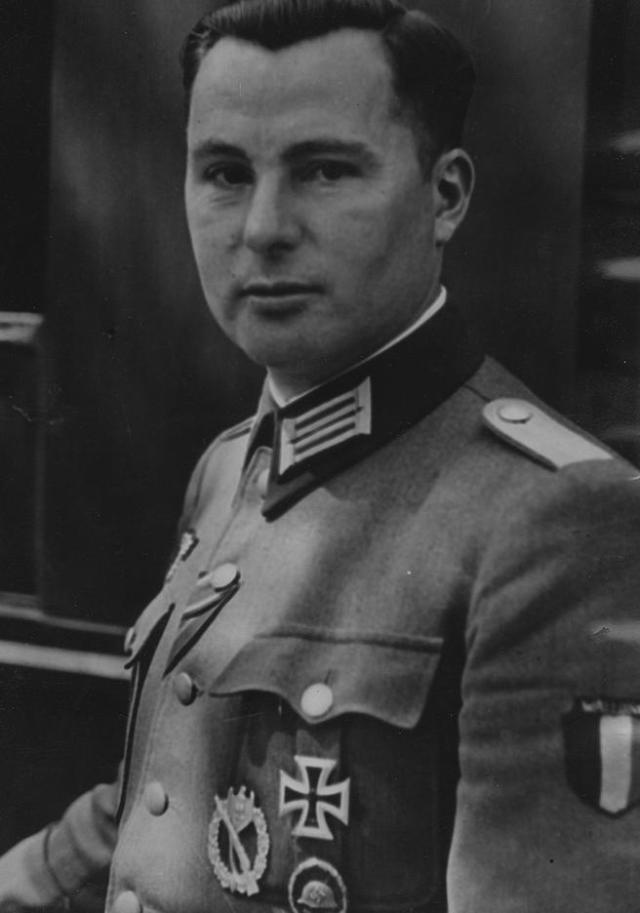 Léon Degrelle estuvo refugiado en España, pese a estar reclamado por los Aliados.