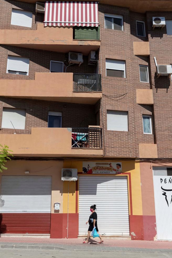 Edificio desde donde se precipitó a la calle es autor del apuñalamiento
