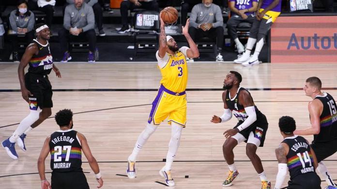 Anthony Davis deja a los Lakers a un paso de la final de la NBA