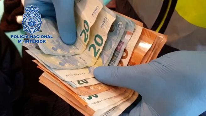 Los investigadores localizaron en uno de los domicilios 400 euros en efectivo