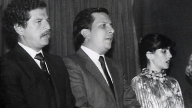El ministro colombiano Rodrigo Lara Bonilla, centro, asesinado por sicarios del cártel de Medellín, en una imagen de archivo