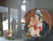 ceramica artistica faentina, Madonna con Bambino