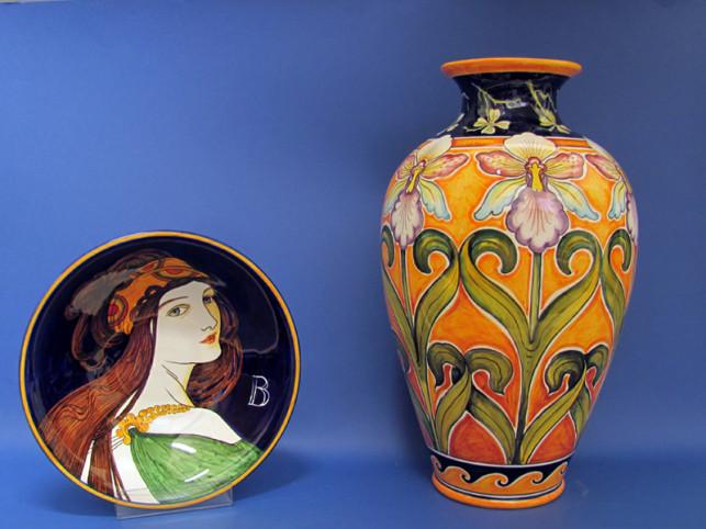 Ciotola e vaso Liberty in ceramica dipinta a mano