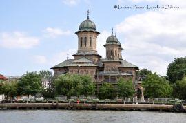 Romania, Sulina, chiesa ortodossa sulla riva del Danubio.