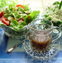 Flaming June: Getting ready for the Salad Season – Fantastique Jam Jar French Dressing