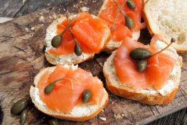 Loch Fyne Smoked Salmon Tartine (Tartine au saumon fumé) – perfect for a Jubilee Picnic!