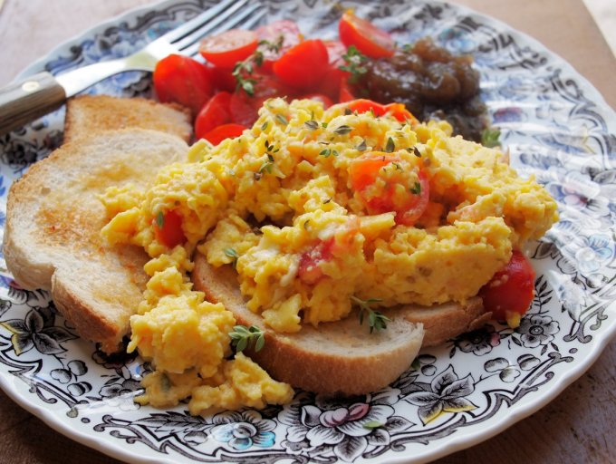Somerset Scramble – Scrambled Eggs with Goat's Cheese