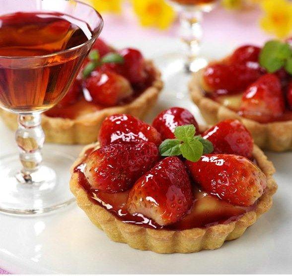 Strawberry Tarts with Dessert Wine