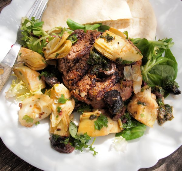 A Special 5:2 Diet Recipe for Fast Days: Luxury Steak Burger with Artichokes and Olives