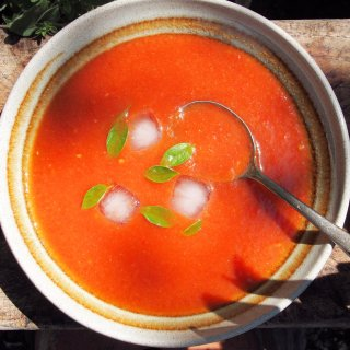 Roast Tomato and Garlic Soup for the 5:2 Diet and Weight Watchers