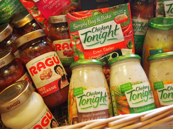 Review:  Ragu and Chicken Tonight Hampers  for EASY and NUTRITIOUS Family Meals!