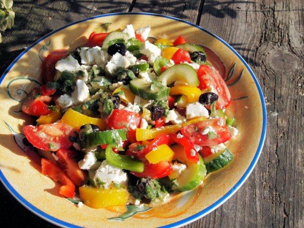A New 5:2 Diet Fast Day Recipe - Greek Lunch Box Salad with Feta Cheese and Mint Dressing