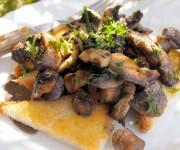 Creamy Garlic Mushrooms on Toast (190 Calories)