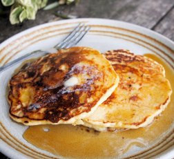 Fluffy Porridge Pancakes with Manuka Honey