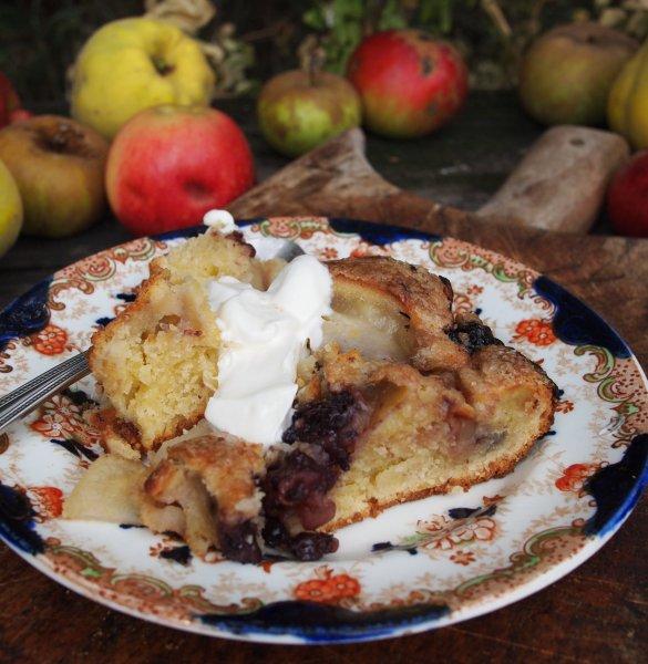 Apple, Bramble & Pear Tray Bake Recipe