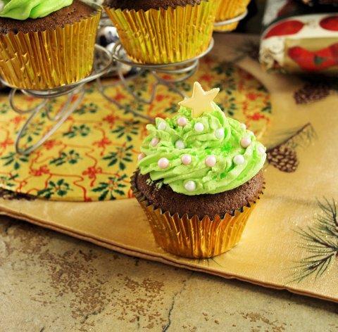 Little Spiced Chocolate Christmas Tree Cakes Recipe