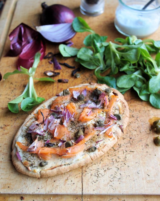Luxury Low-Calorie Recipe for Fish on Friday: Smoked Salmon Pitta Pizza for 5:2 Diet Fast Day