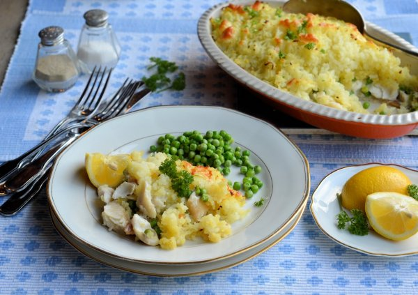 Easy Cheesy Family Fish Pie Recipe for the 5:2 Diet (300 calories) using #FishFight Haddock