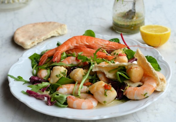 Gourmet 5:2 Diet Recipe - Scallop and Prawn Platter with Chilli Herb Vinaigrette