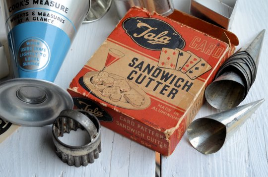 """Made in England"" Vintage Kitchenalia - Card Pattern Sandwich Cutters"