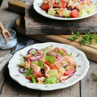 Weekly Meal Plan and Two Day Diet Recipes: Salmon Niçoise Salad (5:2 Diet)