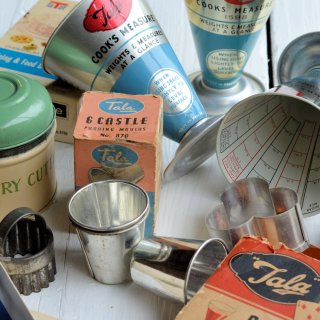 """Made in England"" Vintage Kitchenalia: Old Tins, Icing Sets and Measuring Cones with Tala"