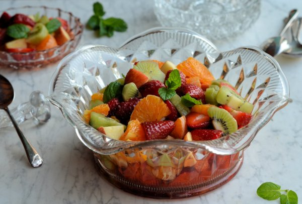 Quince Blossom and a Lazy Saturday Salad Recipe: Strawberry and Mint Fruit Salad