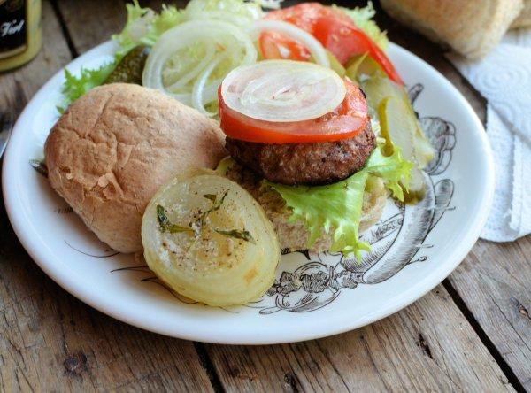 BBQ Summer Savoury Onion and Hamburgers