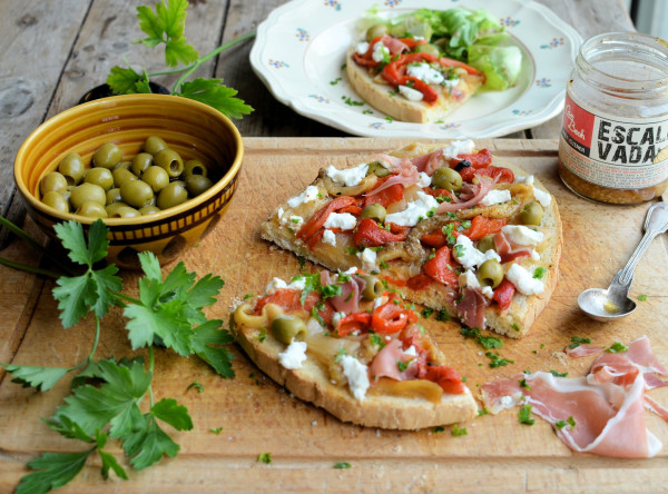 Lazy Summer Lunches, Food Hampers and Spanish Tapas Toast with Escalivada Recipe