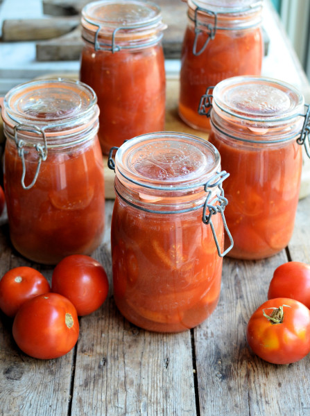 Bottling Tomatoes using the Water Bath Method: Step-by-Step Tutorial with Images & Recipe