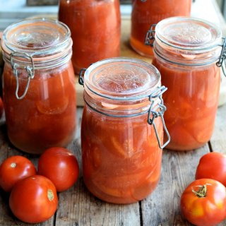 Bottling Tomatoes with the Water Bath Method: Step-by-Step Tutorial with Images & Recipe