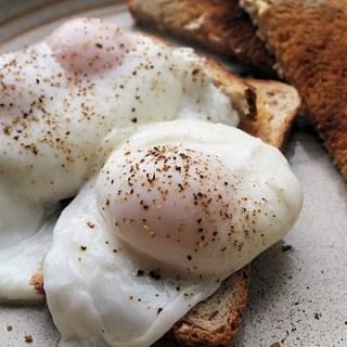 Basic Sous Vide Water Bath Poached Eggs
