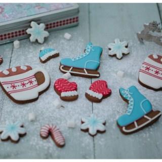 Giveaway: Honeywell Bakes Christmas Biscuits/Cookies in a Keepsake Tin (RRP £30)